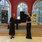 Анна Янчишина и Елена Тарасова в Тарусе  на презентации альбомов.