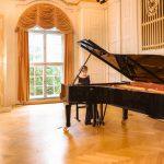 Salzburg, Mozarteum.  Elena Tarasova (piano)